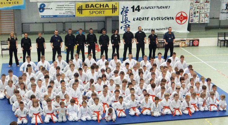 Bacha Sport wspiera 14 Gliwicki Turniej Karate kyokushin Dla Dzieci i Młodzieży.    Zdjęcia z Turnieju Karate Kyokushin: https://www.facebook.com/media/set/?set=a.10151592581403944.1073741832.346482258943=3=27