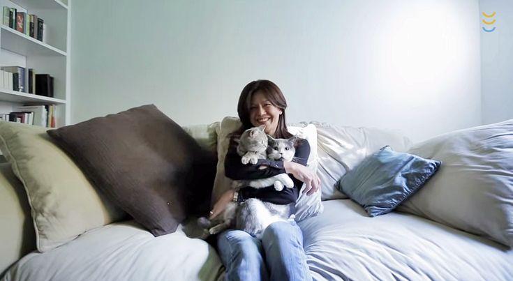 Yuna Hoshino nunca pensó que acabaría comprando un piso en Barcelona, pero una vez se puso a ello fue como empezar una nueva vida junto a sus gatos. Paseando por el corazón de Les Corts se enamoró ...