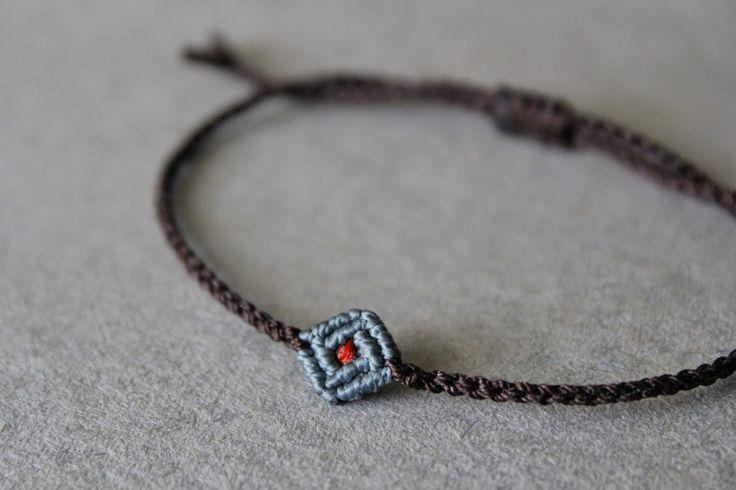 momosatsuki: bracelet