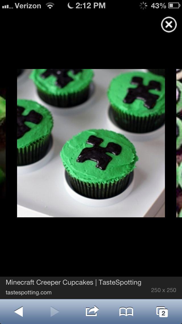 Creeper Cupcake Cake