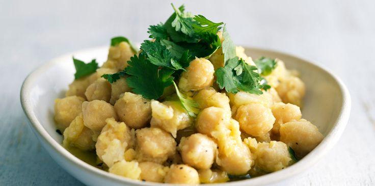 Découvrez la recette de la salade de pois chiches à l'ail