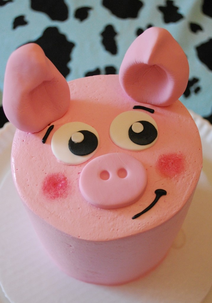 pig cake; farm theme birthday