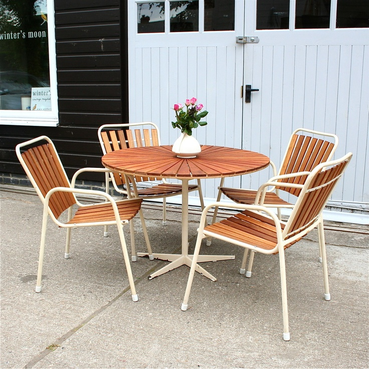 gorgeous vintage danish garden furniture... well, I can dream!