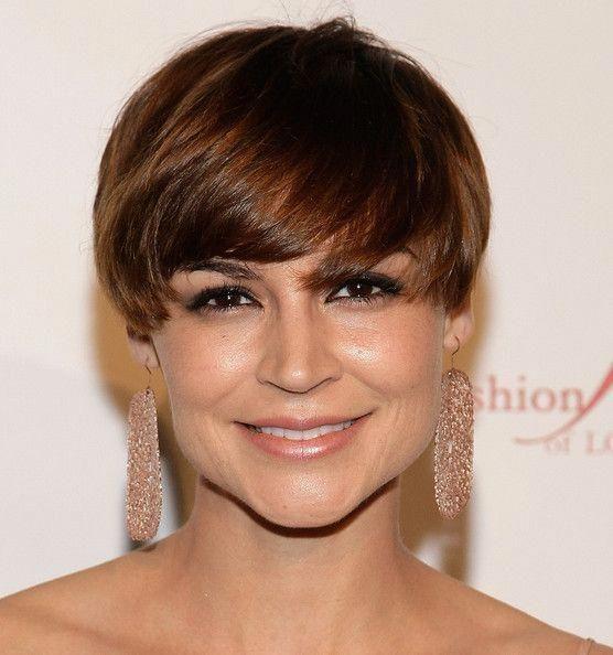Samaire Armstrong Short Straight Cut - Short Hairstyles Lookbook - StyleBistro #shorthairstylesforwomen