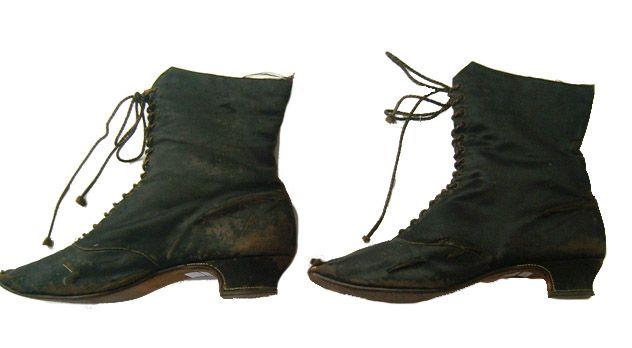 Botas / Boots. C. 1900. Colección MNHT