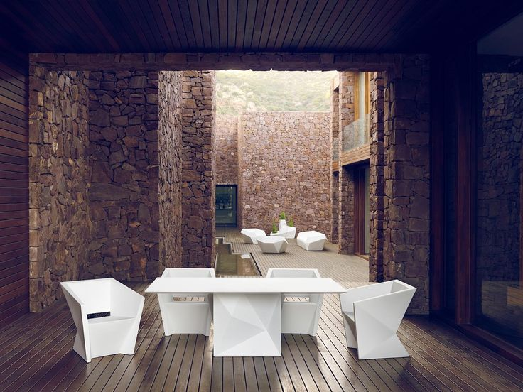 Faz collection, outdoor table and chairs