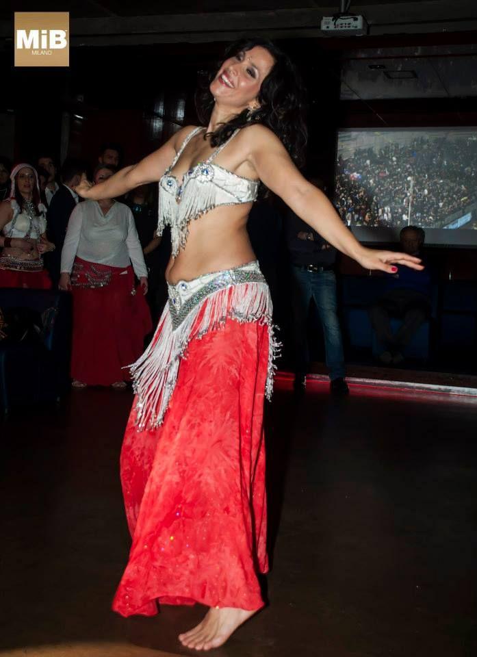 Sabrina Albano danza del ventre!