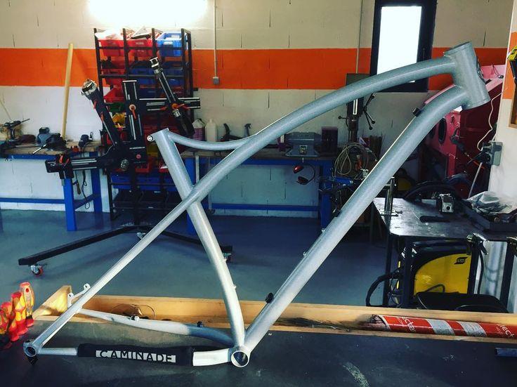 "Brève #boost #handmade #framebuilding #simpletrack #madeinfrance #steelframe #mtb  Bespoke 29"" MTB steel frame. #boost #handmade #framebuilding #simpletrack #madeinfrance #steelframe #mtb http://ift.tt/2kHshLl  Brève #boost #handmade #framebuilding #simpletrack #madeinfrance #steelframe #mtb  contact@caminade.eu (Caminade) : January 30 2017 at 07:37PM http://ift.tt/2kHsgHh"