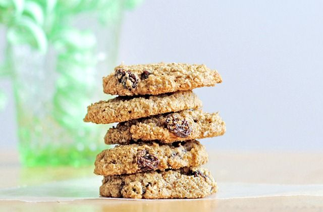 GF flourless Oatmeal-Raisin Cookies      * 3/4 cup rolled oats      * 1/4 tsp baking soda      * 1/8 tsp salt      * 2 T brown sugar (If you prefer, click for: Sugar-Free Oatmeal Cookies.)      * 1 T plus 2 tsp white sugar or evaporated cane juice      * 2 T raisins      * 1 T oil or pre-melted margarine      * 1-2 T milk of choice (start with 1)