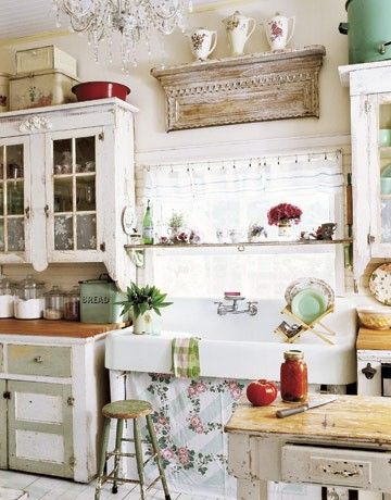 shabby kitchen, farmhouse shabby chic style