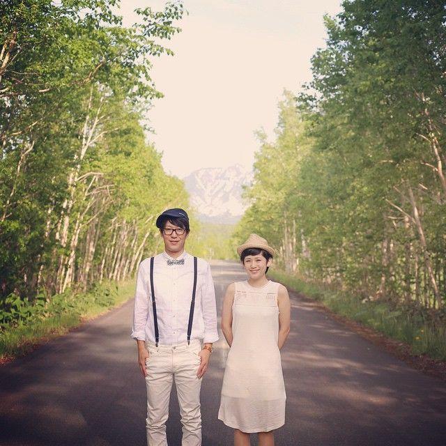 #北海道 白樺の木がとっても綺麗なので ただフツーにカメラ目線。 それだけでじゅうぶん可愛い! #結婚写真 #花嫁 #プレ花嫁 #結婚 #結婚式 #結婚準備 #婚約 #カメラマン #プロポーズ #前撮り #エンゲージ #写真家 #ブライダル #ゼクシィ #ブーケ #和装 #ウェディングドレス #ウェディングフォト #七五三 #お宮参り #記念写真 #ウェディング #weddingphoto #bumpdesign #バンプデザイン
