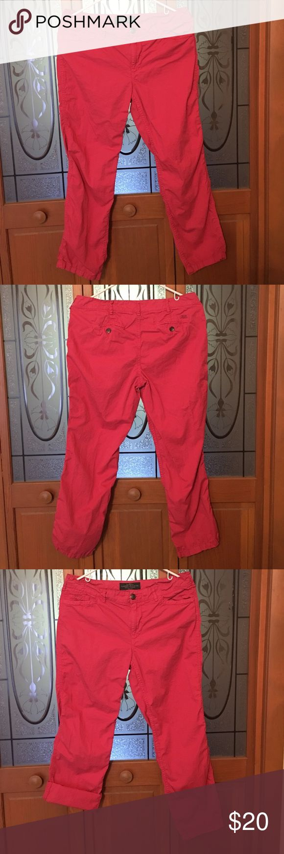 Ralph Lauren Pink Capris Ralph Lauren Lauren Jeans Co pink capris, size 8 petite. Super cute, can be worn at any length. Light material, soft and comfy. Excellent condition, practically brand new. Smoke free home. Ralph Lauren Pants Capris