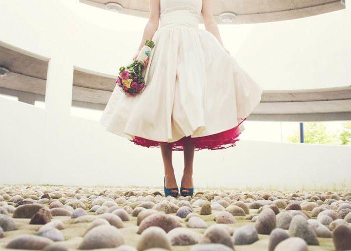 隠し色にズキューン♡純白ドレスの下、何色のパニエを忍ばせる?*のトップ画像