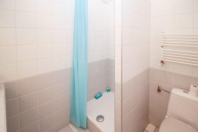 Menata ulang kamar mandi minimalis menjadi hal yang cukup menantang. Berikut adalah 7 hal dasar yang harus Anda pahami dalam dekorasi kamar mandi minimalis.
