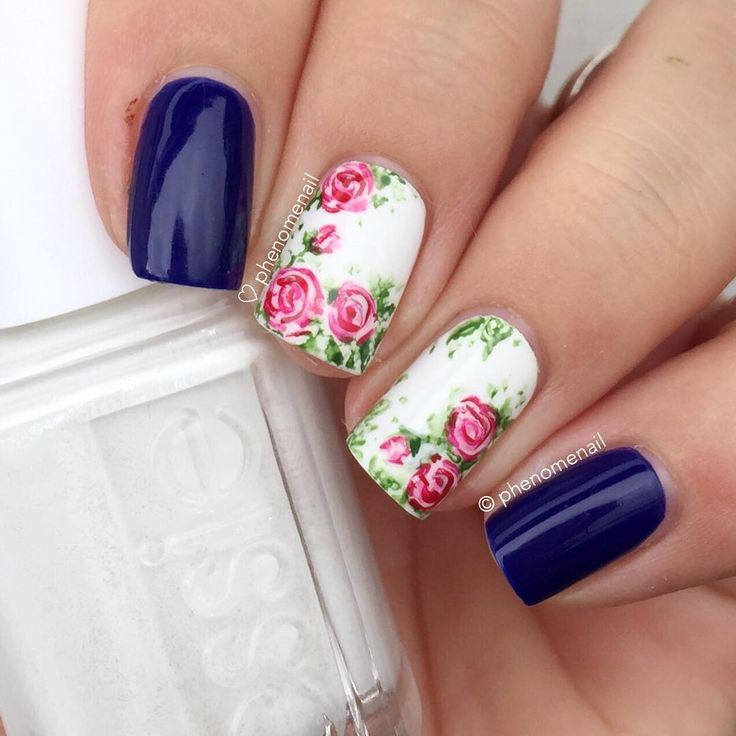 Oh I have missed them roses...  White is 'Private Weekend' from Essie and blue is 'My Car has Navy-gation' from OPI  Roses is inspired by a mani done by lovely Maja  @mllrdesign ✨