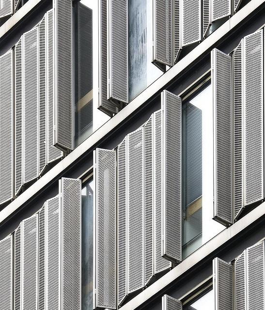 Folding shutter detail