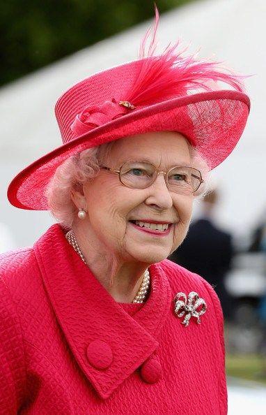 Queen Elizabeth, June 15, 2013 | The Royal Hats Blog