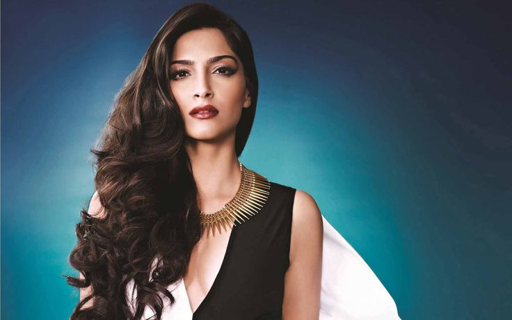 #SonamKapoor  @sonamakapoor  Sonam Kapoor : The Ultimate Fashion Queen of Bollywood