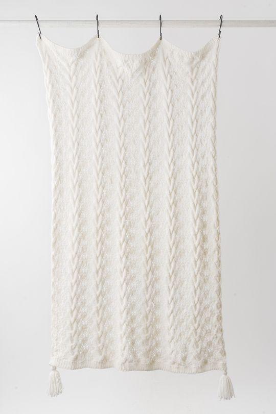 Stickad pläd i Novita Naava | Novita knits