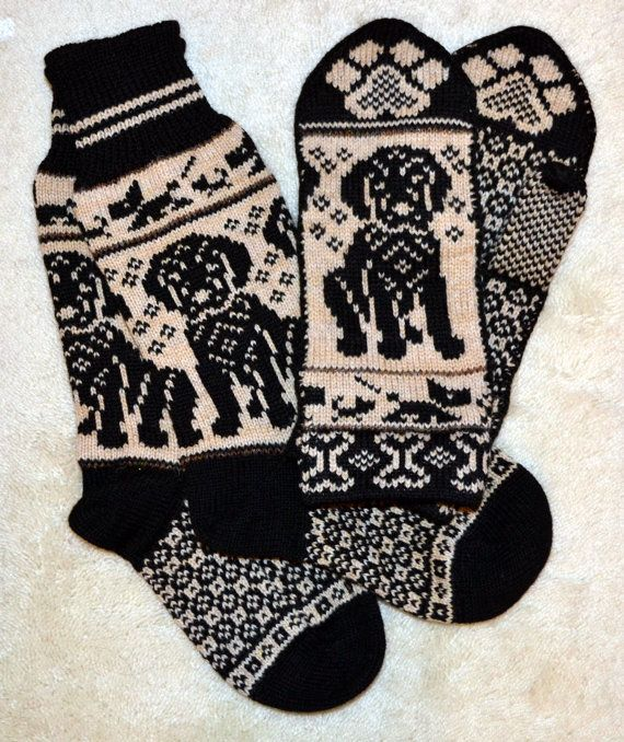 NORWEGIAN Hand Crafted 100% wool socks and mittens set, M / L, folk art, black labrador dog puppy.