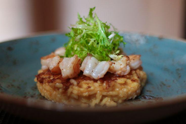 Shrimps sautéed on crispy rice with sweet and sour sauce (Dinner Menu)