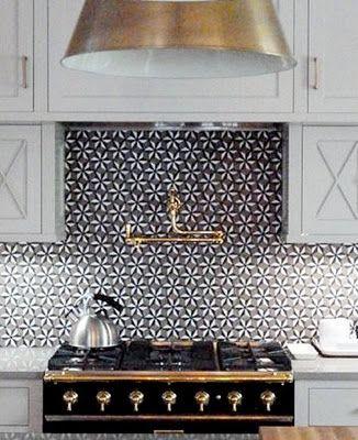 Kitchen, great backsplash tile with brass detailsBacksplash Tile, Back Splashes, Kitchens Design, Kitchens Tile, Black White, Design Kitchen, Gold Accent, Black Gold, Kitchens Backsplash