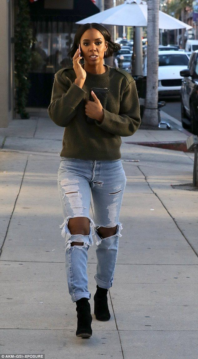 Street style: Kelly Rowland proved she looks just as good in everyday fashion when she stepped out in Beverly Hills on Friday, rocking a cool and casual outfit