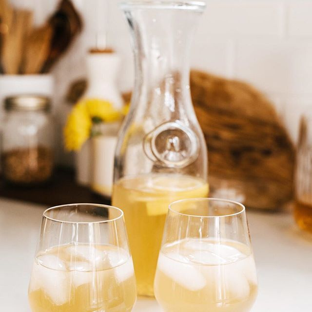 A refreshing twist on the hot toddy, this mellow raw honey and camomile whisky sipper is equal parts smooth and sweetly tangy. And just like the flavour – mild and soothing – it's fast, easy to whip-up, and makes a typical day feel special. Cheers to the long weekend! Recipe link in bio.  #leonshellosunshine