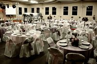 How to Decorate a Wedding Reception Hall