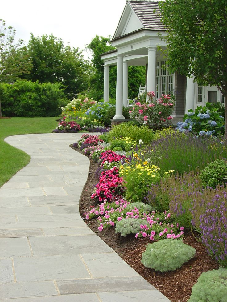 25 best ideas about front walkway landscaping on for Front garden ideas