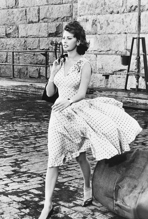 Sophia Loren Polka Dot Dress Vintage Fashion Pinterest Sophia Loren Flowy Skirt And
