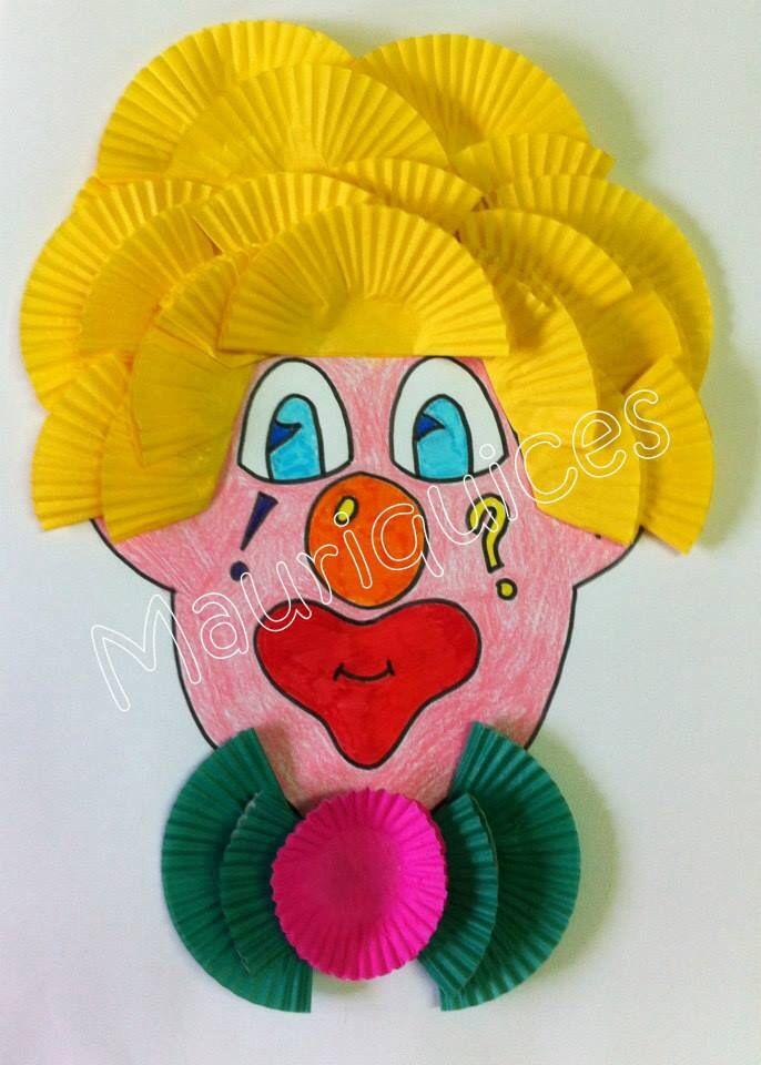 Clown van cupcake papiertjes