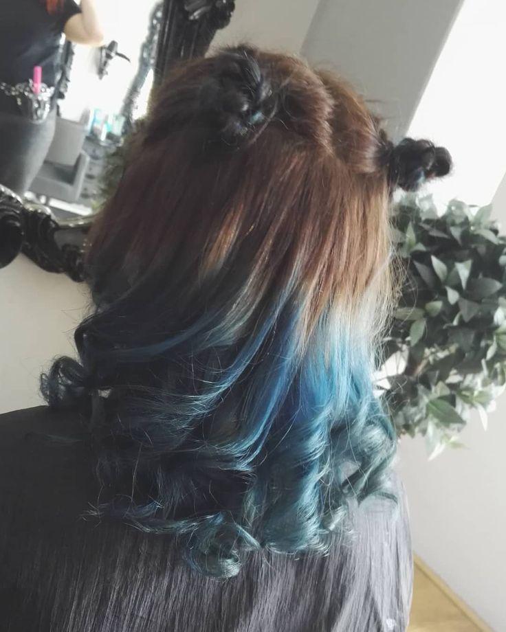 💙💙💙 . . . . . . .  hair  hairdresser  hairstylist  blonde  halohairhudd…