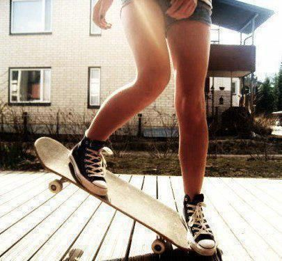 Skate girl... I really wish I could learn <3