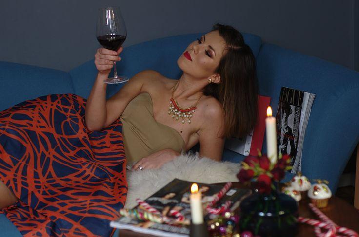 Roswitha celebrating Christmas Eve in style! @roswithamoti