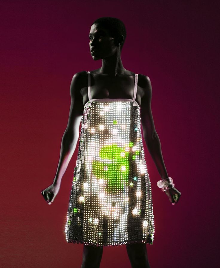 Hussein Chalayan video dress #lightsinfashion