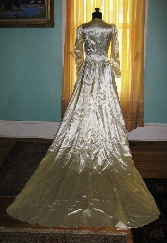 Vintage 1940s WWII Formal Beaded White Ivory Satin By Kirkmans 17500