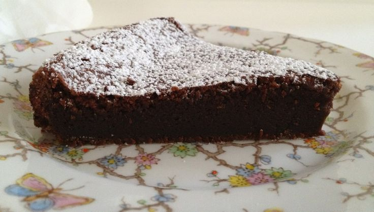 Flourless Nutella Chocolate Cake -- gluten free and OMLBJ doesn't it ...