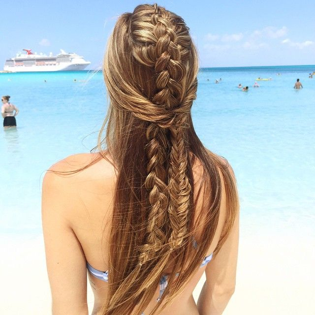 Braiding in paradise  #fishtail #frenchbraid #instabraid #braids #highlights #instahair #braidaddict #paradise #halfmoonkay #cruise #bahamas #abigailrosehair #btc #30daysnewbraids