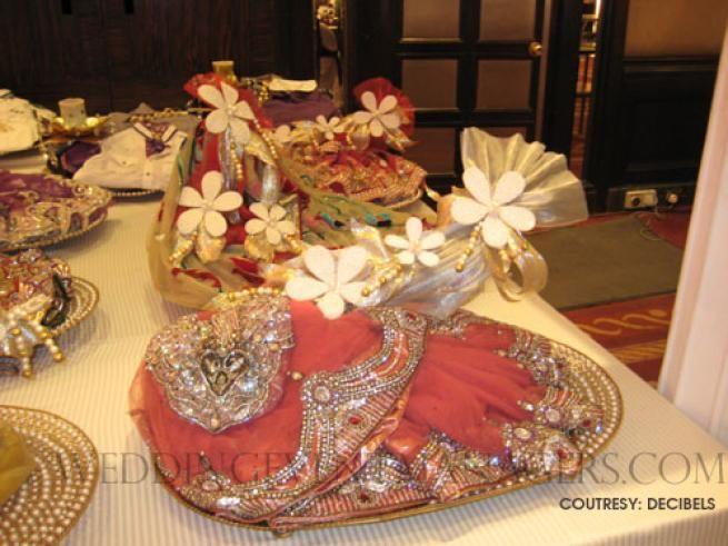 Sari packing