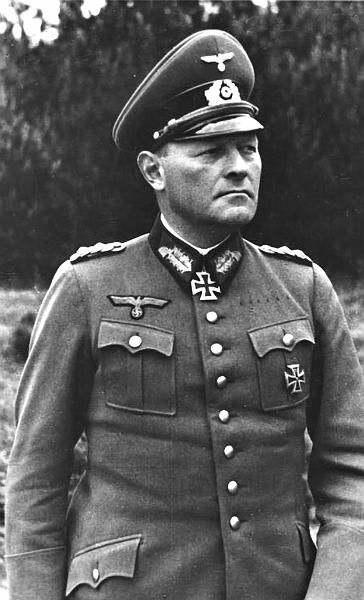 ✠ Erich Hoepner (14 September 1886 – 8 August 1944) He was implicated in the failed 20 July Plot against Adolf Hitler and executed. RK 27.10.1939 General der Kavallerie K.G. XVI. AK (mot.)