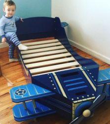 Decor quartinho de bebê aviões cama