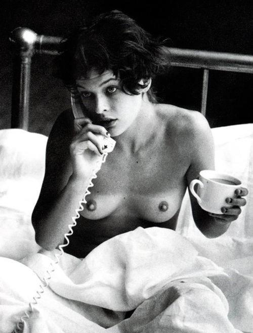 télephone, milla jovovich