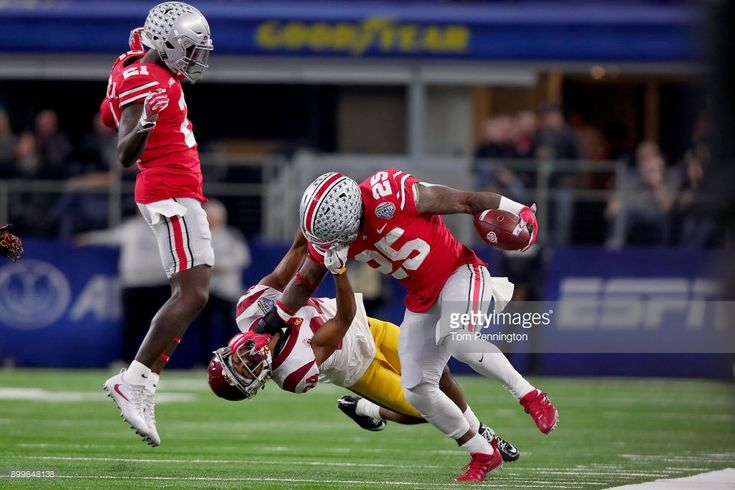 News Photo : Mike Weber of the Ohio State Buckeyes carries the...