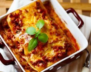 Lasagnes express pour 1 personne : http://www.fourchette-et-bikini.fr/recettes/recettes-minceur/lasagnes-express-pour-1-personne.html