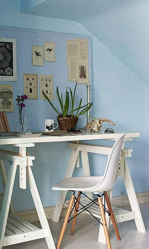 Oficina o espacio de trabajo sencillo con decoraci n de for Decoracion de estudios