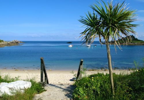 PorthCressa Beach - St Marys - Isles Of Scilly. Just off the coast of Cornwall <3 Love it!