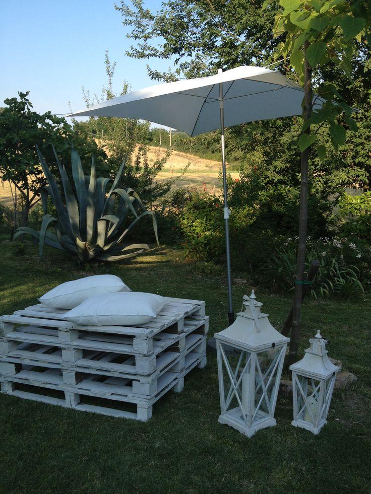 Allestimento giardino presso location