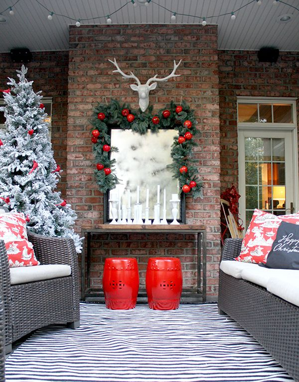 christmas decorating ideas for a cozy winter patio