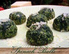 """Spinatbällchen """"Spinach Balls"""" low carb Ich mag die Spinatbällchen nur mit etwas Parmesan bestreut.Sie sind aber auch eine tolle Beilage z.B.zugebratenem Lachs. Zutaten für ca…"""